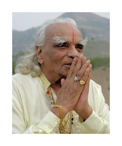 BKS Iyengar Dies Aged95