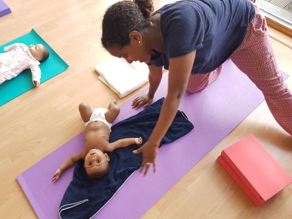 Birthlight Baby Yoga with Sky