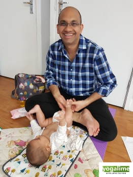 Baby Massage at Yogalime