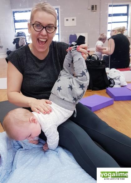 Mum and Baby Yoga, class pic