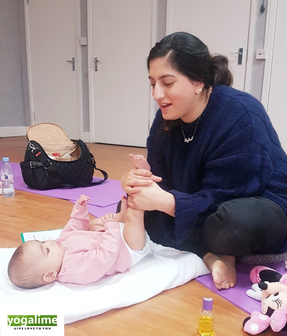 Mum and Baby sharing Baby Massage strokes in our Baby Massage Class near me